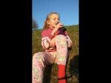 Девочка очень классно поёт)))
