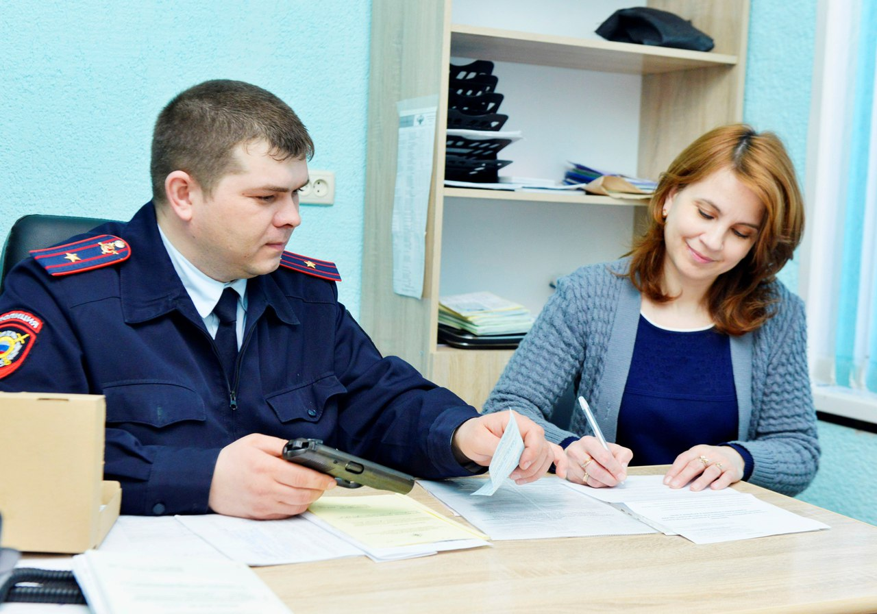 В Управлении Росгвардии по Ростовской области подвели итоги мероприятия по принятию оружия от населения