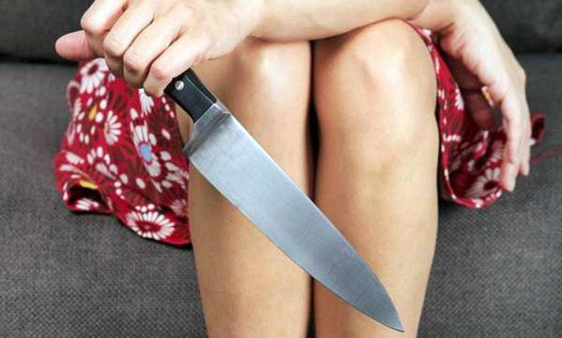 """Томичка, ударившая своего отца ножом, """"отсидит"""" 3,5 года"""