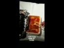 171223 Jun. Ks IG story En route to a fan sign event I'm having a meal spreading a towel on it