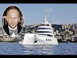 Яхту миллиардера Мельниченко арестовали за долги