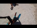 Гриша на пляже прыгает