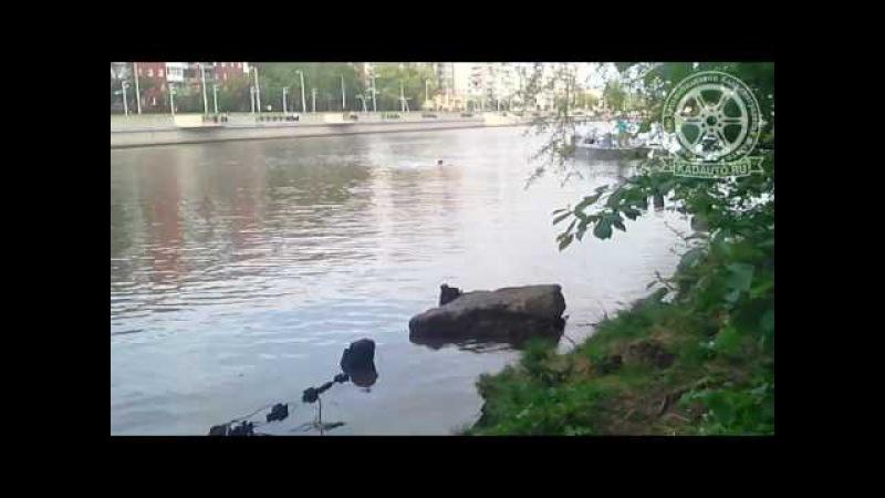 Утонул Инфинити на Карбышева в Калининграде (напротив Трибуца). 06.04.17