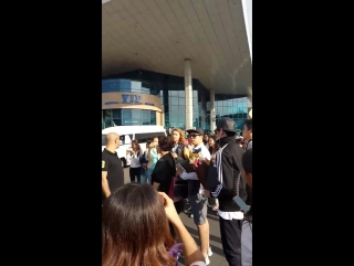 U-KISS (@almaty airport - Star of Asia ) ~ fancam by mari4x ~ (19.08.17)