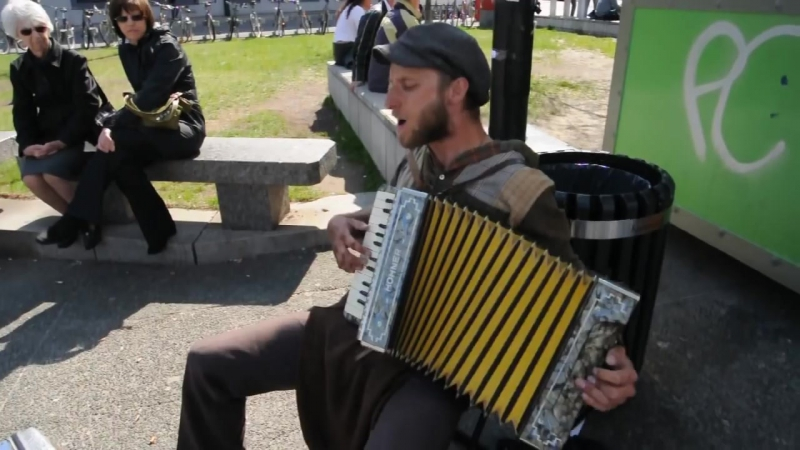 Scott Dunbar One Man Band Singing Tin Foil Hat
