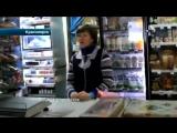 В Красноярске продавщица отбилась от грабителя черенком лопаты