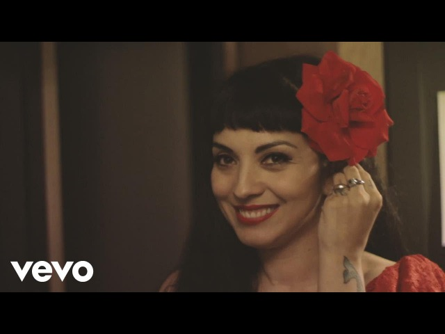 Mon Laferte Mi Buen Amor ft Enrique Bunbury