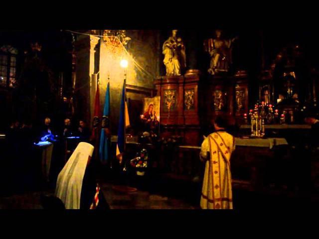 Архиєрейська Вечірня з Митрополитом Ігорем. Співає клиросний хор