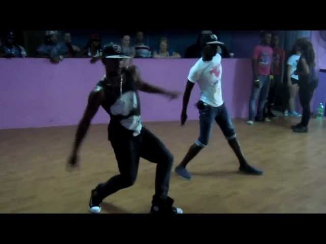 Andre Cosmic - Elite Team doing Shoota, KO and other steps at DanceJA Skool