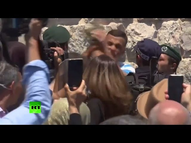 Israeli officer punches Muslim worshiper in the face as clashes continue near Temple Mount