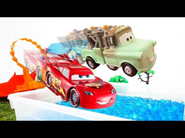 McQueen episodi in italiano-Giochi per bambini con cars-Una nuova piscina per giocattoli