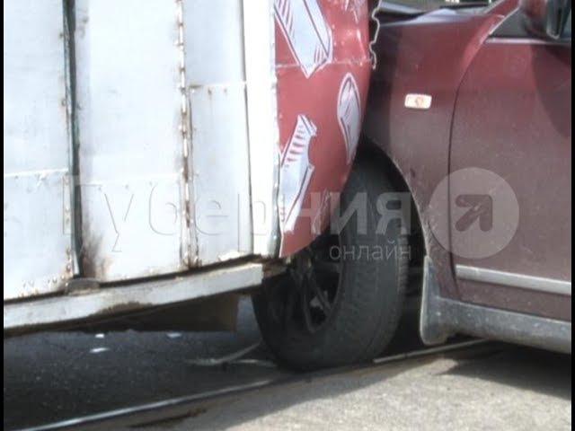 Досадная авария привела к часовому простою трамваев в Хабаровске. MestoproTV