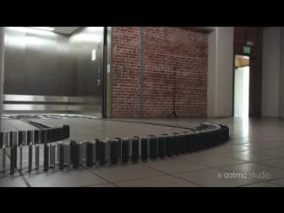 Дoминo из 10,000 iPhone 5