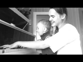 Ржала пол-часа. Мой племянник поёт лучше всех...