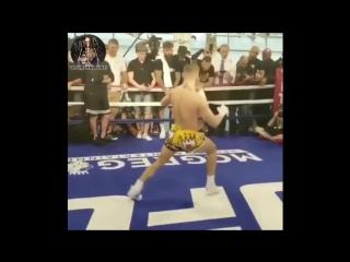 Конор МакГрегор - танцы на открытой тренировке, перед боем с Флойдом Мейвезером