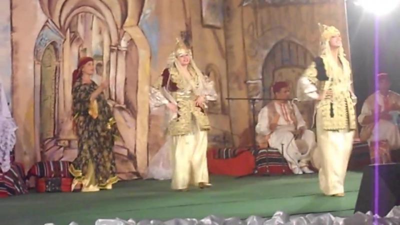 Danse folklorique algerienne