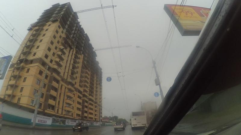 Грубое нарушение правил эксплуатации грузоподъёмных механизмов на ул. Каменской