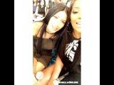 Ludmilla com a Simaria da dupla Simone e Simaria no snapchat