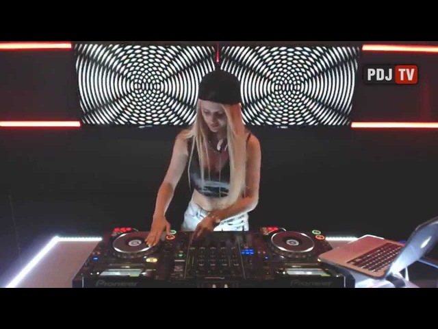 Da Candy Live set on DJ TV Radio INTENSE full version