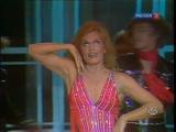 Далида исполняет поппури из лучших песен своего времени)