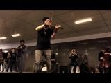 Музыканты на Арбате в Москве исполняют мелодию из Игры Престолов