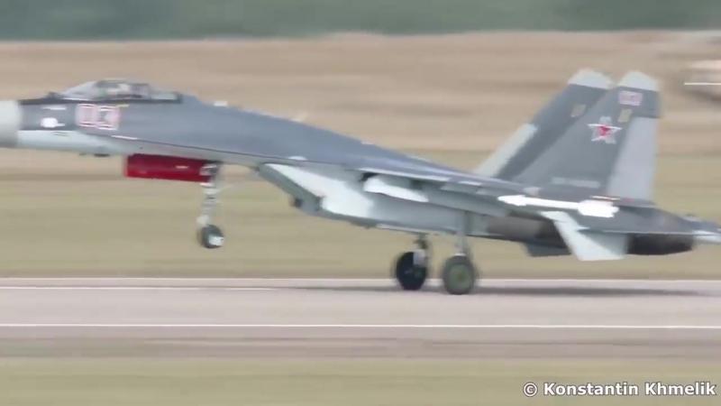 Русский балет в небе. Су-35 плюёт на все законы физики! Перевороты, петли, колок