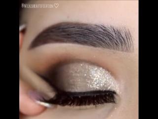 Потрясающий  макияж
