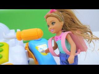 #Барби игры. Кукла собирает Челси в школу ? Готовимся к 1 сентября вместе с Барби...