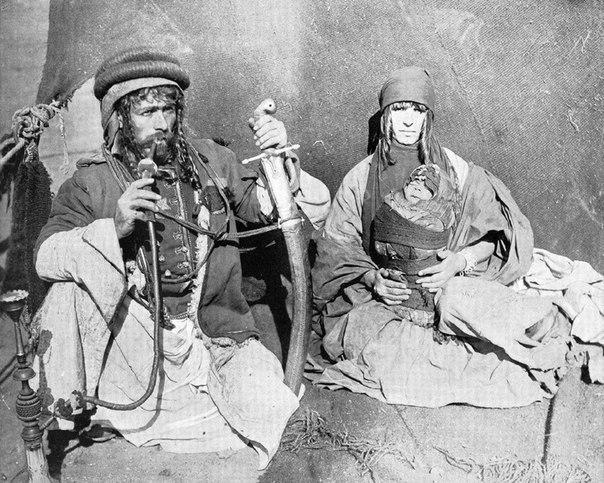 Семья бедуинов. Сирия, 1893 год.