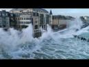 Огромные волны в г. Сен-Мало