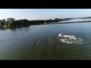 Бийск, понтонный мост. Зажигает водный квадроцикл