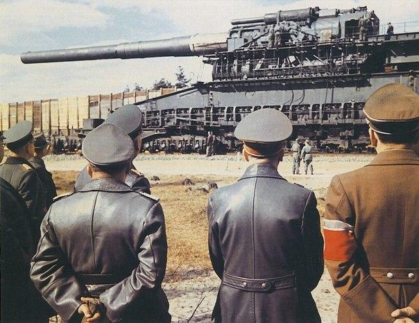 19 марта 1943 года Адольф Гитлер (в