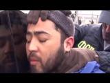 Опубликовано видео задержания ФСБ брата организатора теракта в Петербурге.