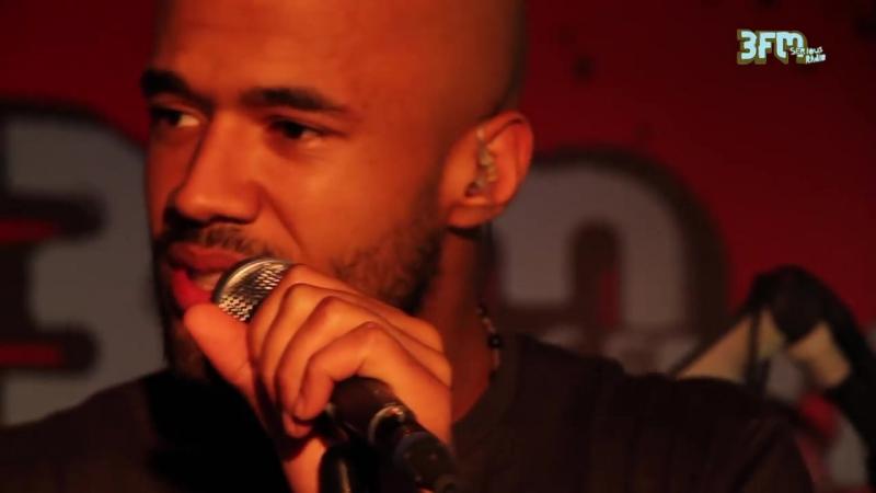 Mr Probz - Aint No Sunshine live @ Paaspop 2014