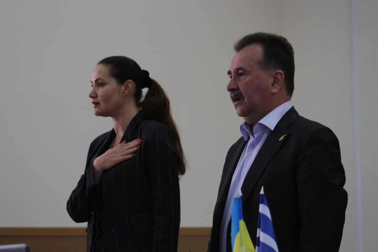 Миколаенко пренебрегает гимном Украины