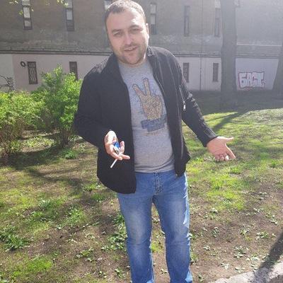 Арам Есаян