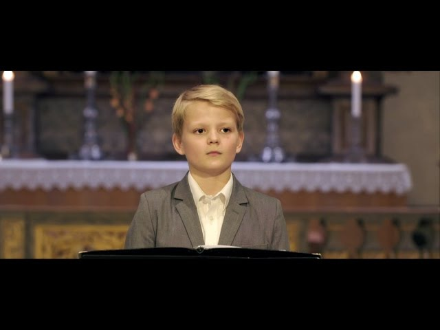 Video: Aksel Rykkvin 12yo boy soprano sings Alleluia, Mozart, Oslo Cathedral