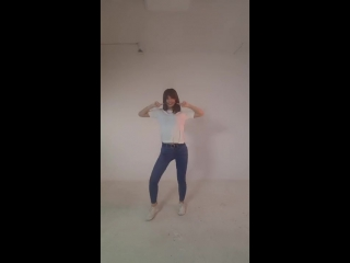 MOMO SIGNAL DANCE VIDEO.