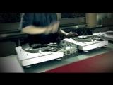 X-Ecutioners ft. Mike Shinoda, Mr Hahn  Wayne Static - Its Going Down