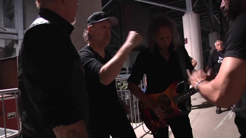 Metallica: Tuning Room Pre-Show Huddle (Columbus, OH - 2017)