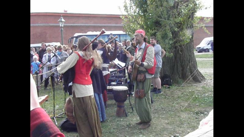 Выступление на фестивале викингов- фантастическая музыка и заряд прекрасного настроения!