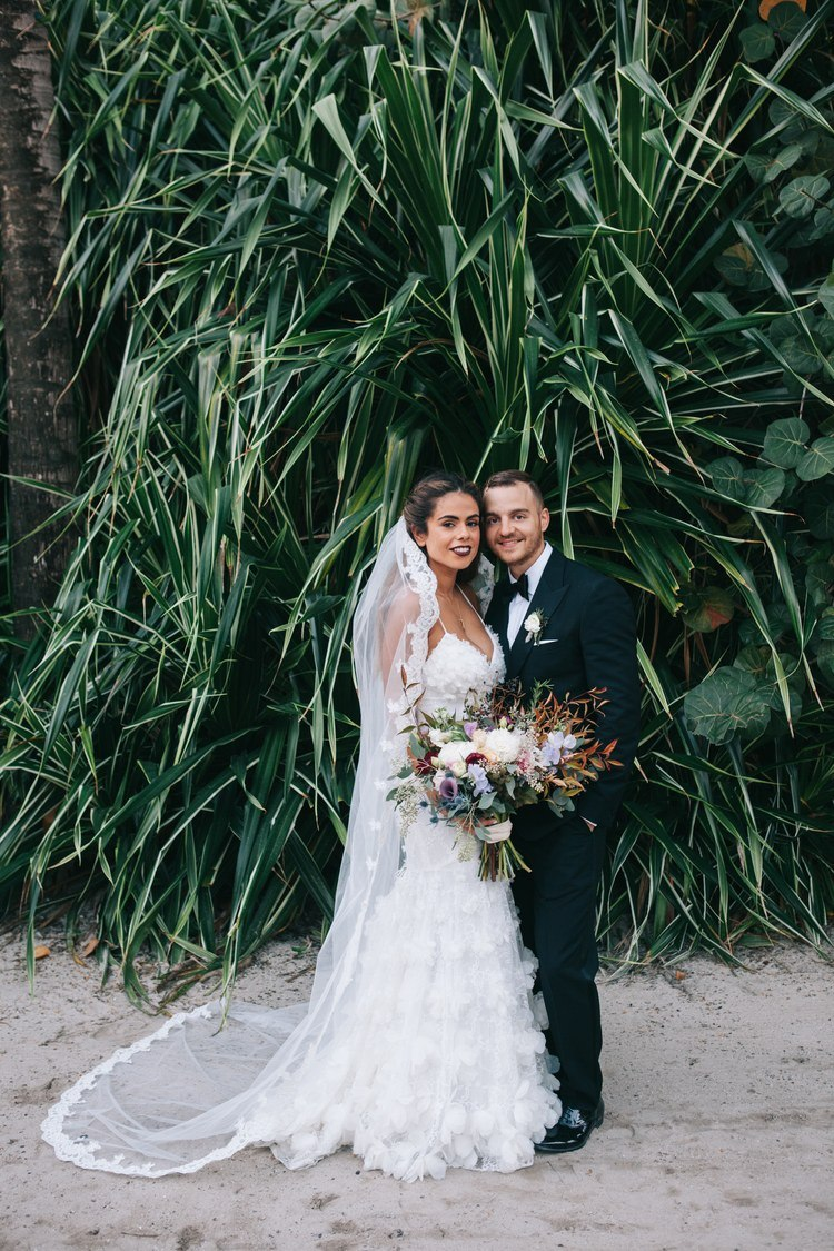 OpvfbujE ag - Свадьба в стиле пляжной вечеринки в Майами (27 фото)