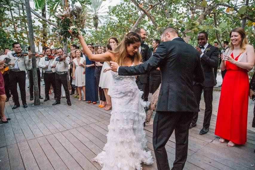 Свадьба в стиле пляжной вечеринки в Майами (27 фото)