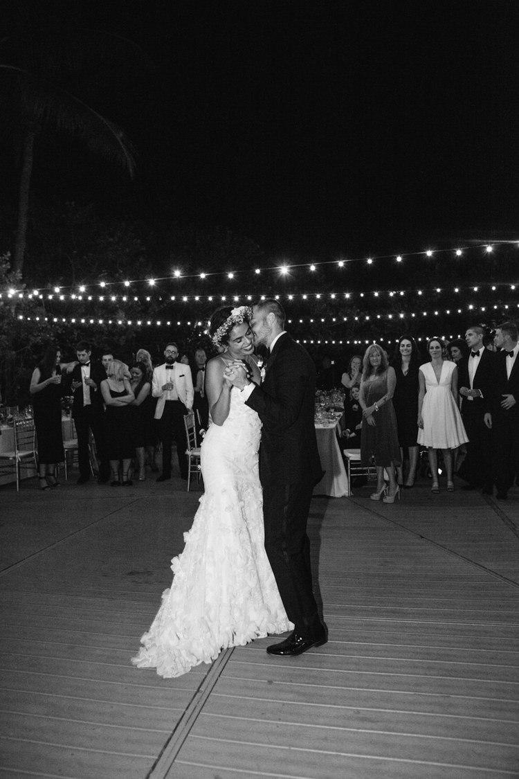 0ICC0cCylmg - Свадьба в стиле пляжной вечеринки в Майами (27 фото)