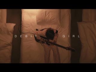 Guitar Girl Li-sa-X - 11 y⁄o shredding with a credit card