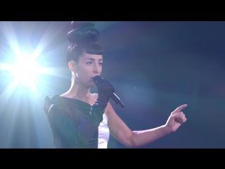 Очень красивый голос. девушка классно спела   I Surrender . на шоу голос  в Канаде