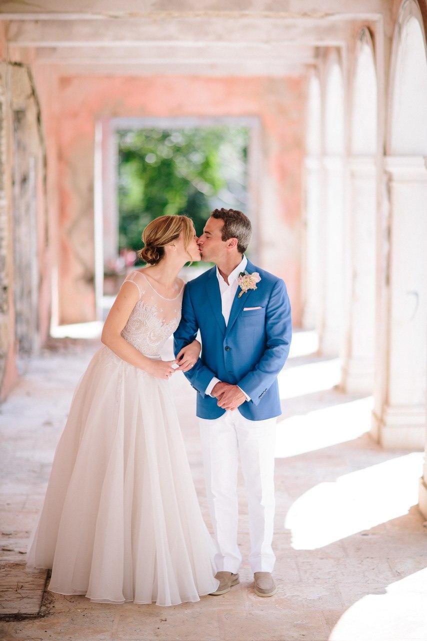 tcLpltmkZwA - Предыстория красивейшей свадьбы на пляже (32 фото)