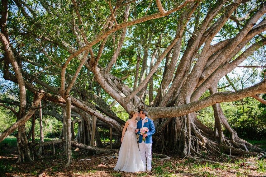 xifxRlh3tHA - Предыстория красивейшей свадьбы на пляже (32 фото)