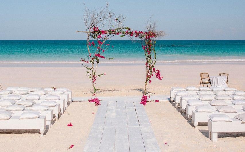 zNzYbWAsZq8 - Предыстория красивейшей свадьбы на пляже (32 фото)