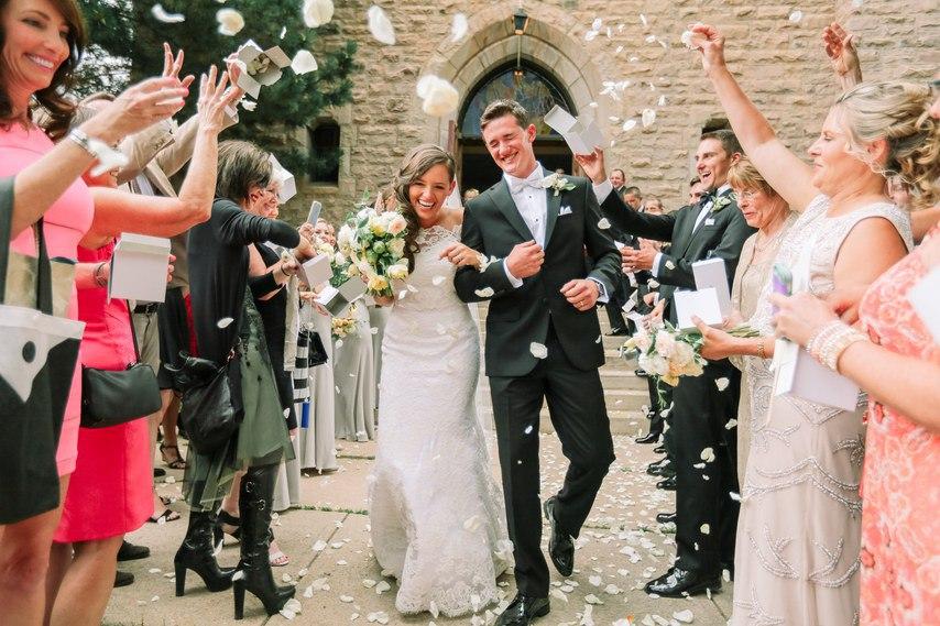 9297h1B3X2c - Они планировали встречу со свадебным ведущим (30 фото)
